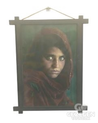 Afganlı Kız Ahşap Tablo Kod - 000005