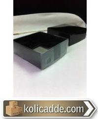 Siyah Karton Kutu Şeffaf Kapaklı 9x9x3 cm