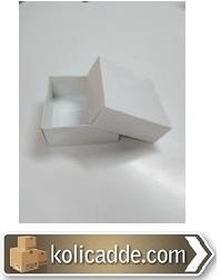 Beyaz Karton Kutu Üstten Kapaklı 8x8x3,5 cm