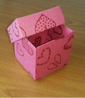 Karton Kapaklı Kutu 5x5x5 cm.