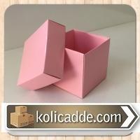 Pembe Kapaklı Kutu 6x6x6 cm.