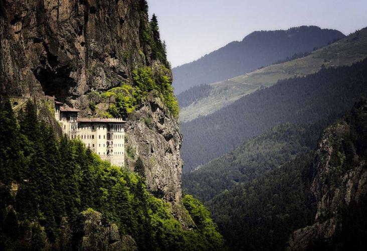 Sümela Manastırı'nı Ziyaret Et