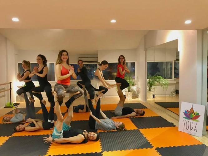 Acro Yoga Jam ( Pratik ) - Her Pazar