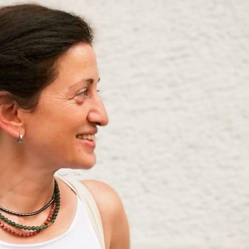Zuhal Özyurt Eşliğinde Online Kundalini Yoga Dersleri