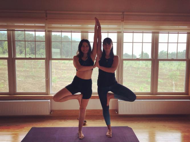 İmren ve Çiğdem ile Yin-Yang Yoga Tatili
