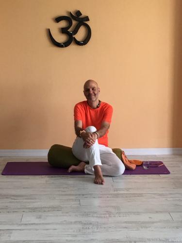 Swami Kurunandha ile Yoga  Nedir ?