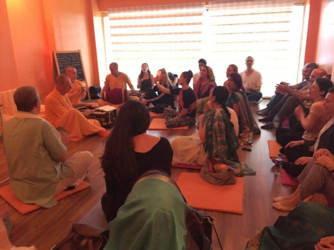 Şivaram Swami ile Vedik Felsefe ve Bhakti Yoga Seminerleri