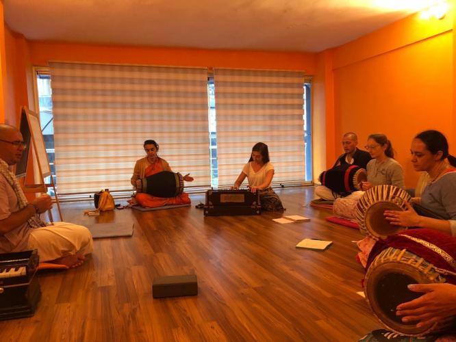 Kirtan Yoga Uygulama ve İlerleme Programı