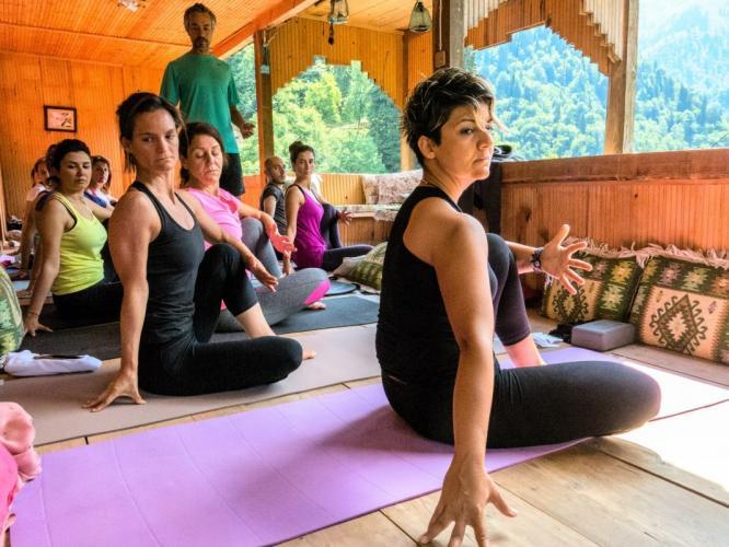 Faruk Kurtuluş ile Artvin Maçahel Yoga Kampı Faruk Kurtuluş
