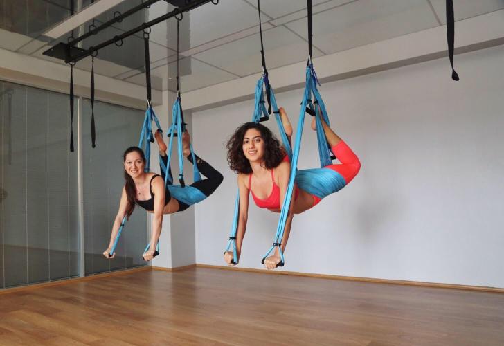 Simge Ural ve Naghmeh Moradi ile Swing Yoga Temel Eğitmenlik Eğitimi