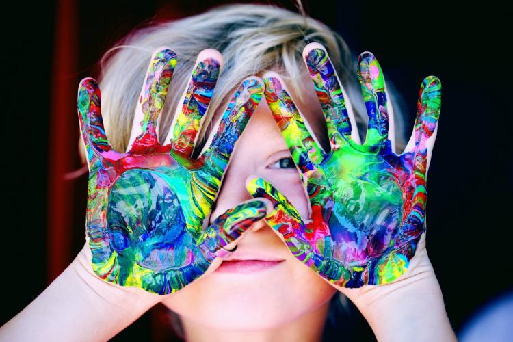 Çocuklar için Neşeli Keşifler - Duyusal Oyunlar (2-5 yaş)