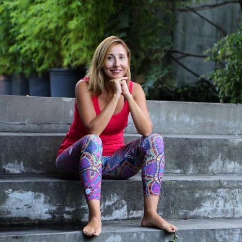 Berna Ünlü ile Ney Eşliğinde Yin Yoga Dersi