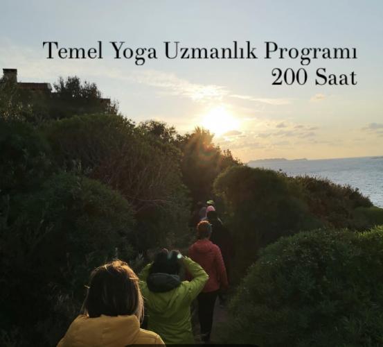 Temel Yoga Uzmanlık Programı (200 Saat)