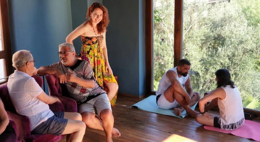Kamp Tadında Online Yoga ve Farkındalık Programı Demet Ulus