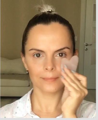 Gua Sha Taşı Hediyeli Yüz Yogası Workshop Canay Sarıcaoğlu