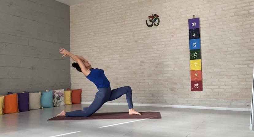 200 Saat Yoga Uzmanlık Programı Nisan'da başlıyor!