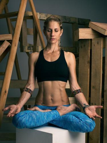 Mey Elbi ile Restoratif Yoga - Meditasyon ve Pranayama Modulü