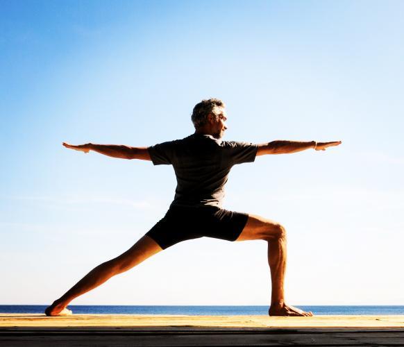 Faruk Kurtuluş'la 200 Saat Online – Yoganın Temelleri