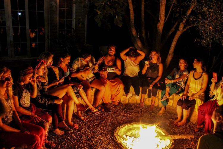 Olimpos Adrasan'da Öze Dön ve Benlik Araştırmaları Üzerine Yoga, Medit