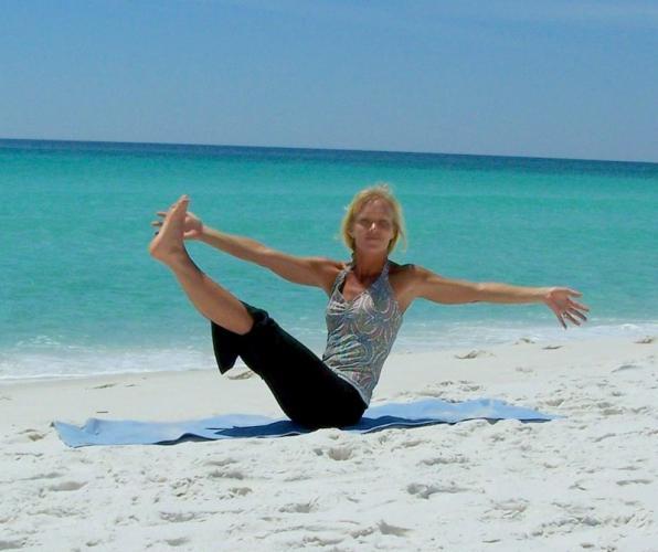 Asiye Sunar, Hande Akınözü ve Meltem Sırtı ile Deniz Kenarında Ücretsiz Yoga, Pilates ve Kahvaltı Buluşması
