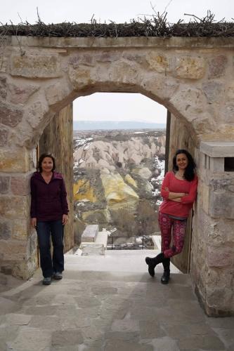 Banu ve Rana ile Kapadokya'da Kış Güneşi Yoga Tatili