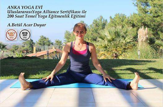 A. Betül Acar Duyar ile Temel Yoga