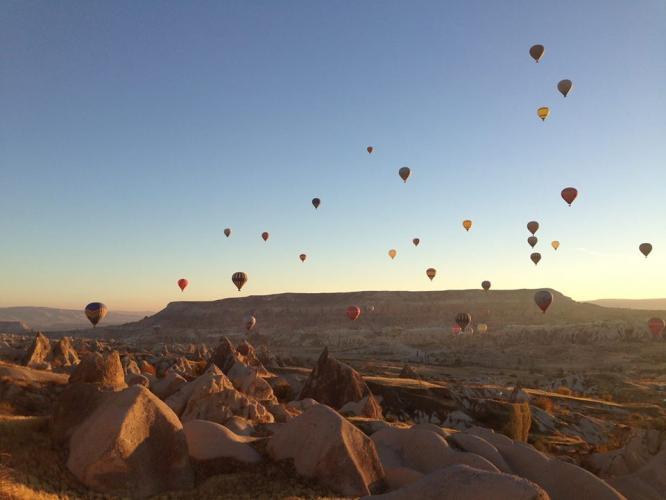 Kapadokya'da Sonbaharı Yoga ile Karşıla
