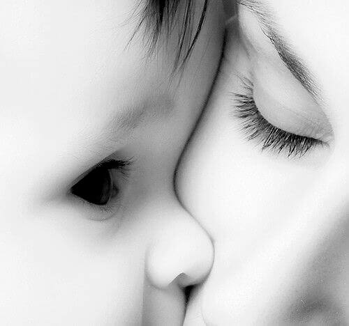 İlk Sevgili: Annemle İlişkim = Hayatla İlişkim