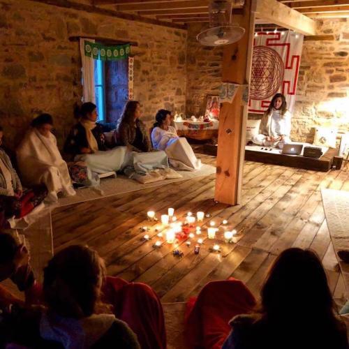 YogAna Yoga Uzmanlık Programı - 200 Saat Gülenay Pema Gauri